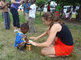One of our students brought from the US a donation of tambourines, drums, and other musical instruments for the children.